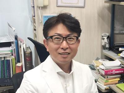 医師 西山 敬浩